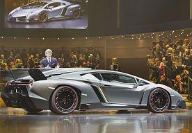 14-May-2013 14:54 - LAMBORGHINI WORDT DE LOLO FERRARI VAN AUTOLAND. Kun je als merk doorslaan in het benadrukken van je sterke punt? Het spijt me om het te zeggen, maar ik vind dat dit inmiddels een beetje het geval aan het worden is bij Lamborghini. De reden voor…...
