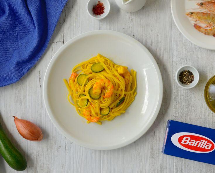 Pasta med stekt zucchini med smak av saffran. Denna pastarätt går supersnabbt att tillaga, här hittar du ett enkelt recept!