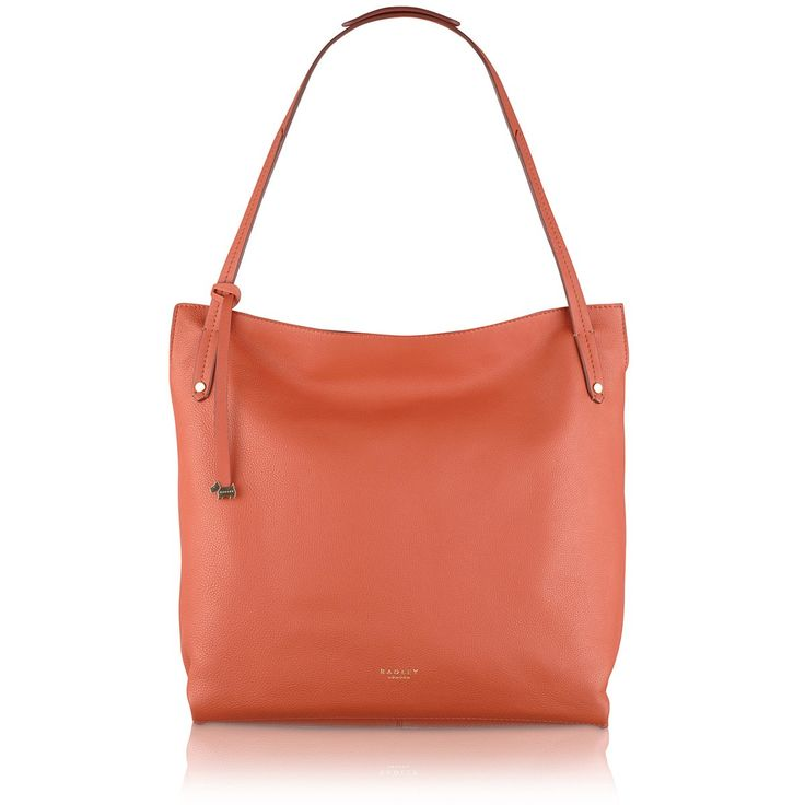 The Willow large ziptop bag is a practical and striking handbag crafted from soft leather.