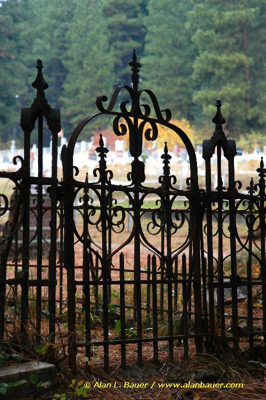 Roslyn cemetary iron gates in fall-Vert2