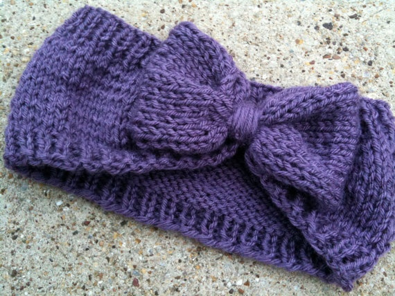 Knitted Ear Warmer Pattern Loom : knit bow ear warmer-this in white, though. Indiana so cold!! Sewing and cro...