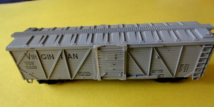 Vintage Life-Like HO Scale VIRGINIAN 61550 Freight Boxcar Sliding Doors c/w box  #LifeLikeProducts