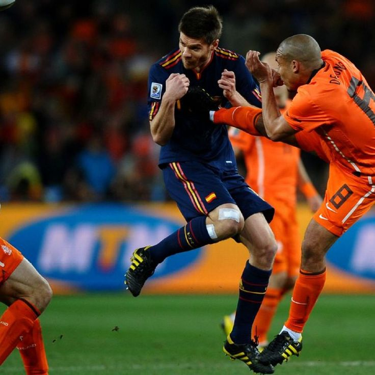 Howard Webb 'gutted' to miss Nigel de Jong red card in 2010 World Cup final