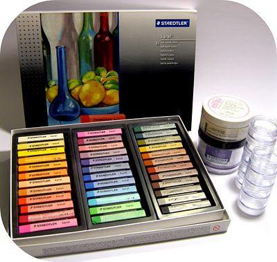 DIY Coloured Acrylic Powder!
