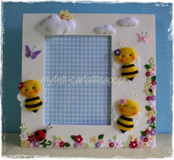 Moldura decorada com abelhas e flores em feltro!