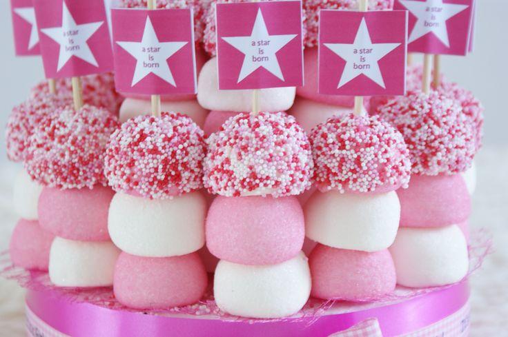 Geboorte traktatietaart roze