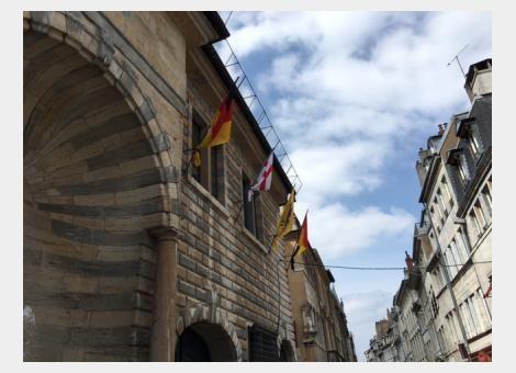 Vie locale, Besançon : Le mystère des drapeaux de l'Hôtel de ville de Besançon, enfin résolu ! actualité Besançon Franche-Comté