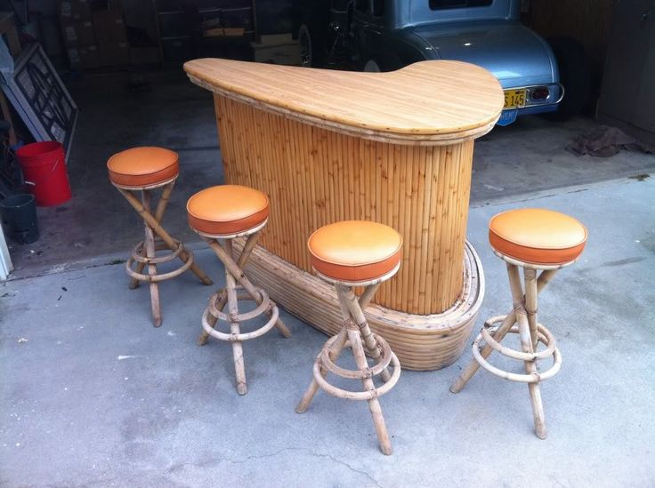 perfect vintage tiki bar