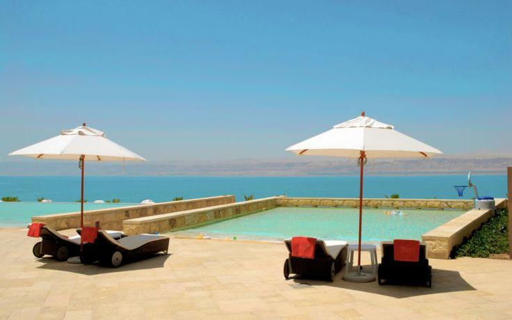 Kempinski Hotel Ishtar har en fuldstændig fantastisk beliggenhed ved den længste private strand i Jordan gør at dette hotel, er i sin helt egen klasse. Nyd livet ved de syv skønne pools. Se mere på http://www.apollorejser.dk/rejser/asien/jordan/det-dode-hav/hoteller/kempinski-hotel-ishtar