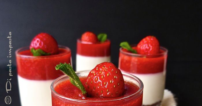 Mini cheesecakes alla fragola e mandorla (light) con agar-agar
