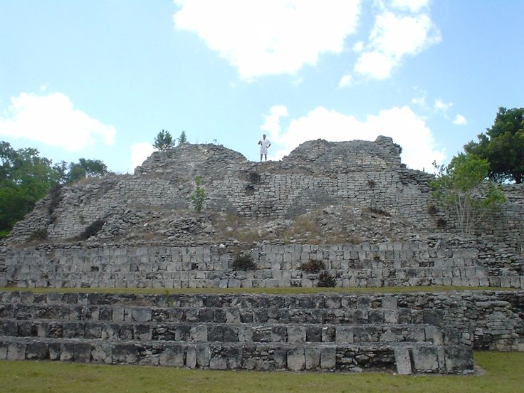 One of the temples of Kohunleach, a Maya site near Mahahual, at only a 2.5 hour drive. Perfect day trip combined with a visit to the Lake of Bacalar