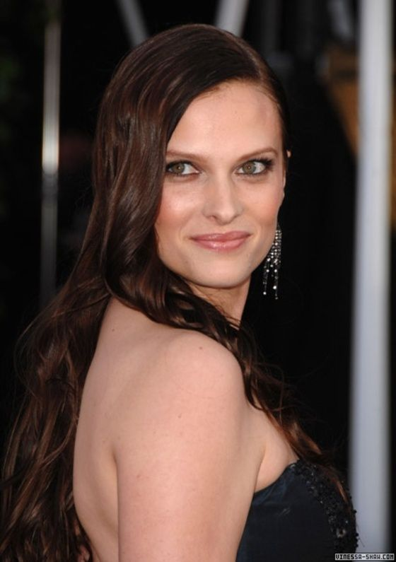 Pin by Gregory Pulliam on Thesbians | Vinessa shaw, Hot ...