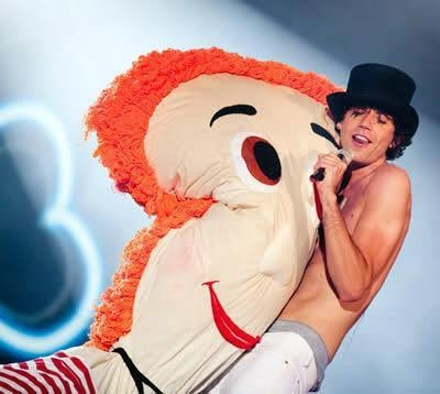 Mika Penniman.   Is it any wonder why i cant leave him alone? xD