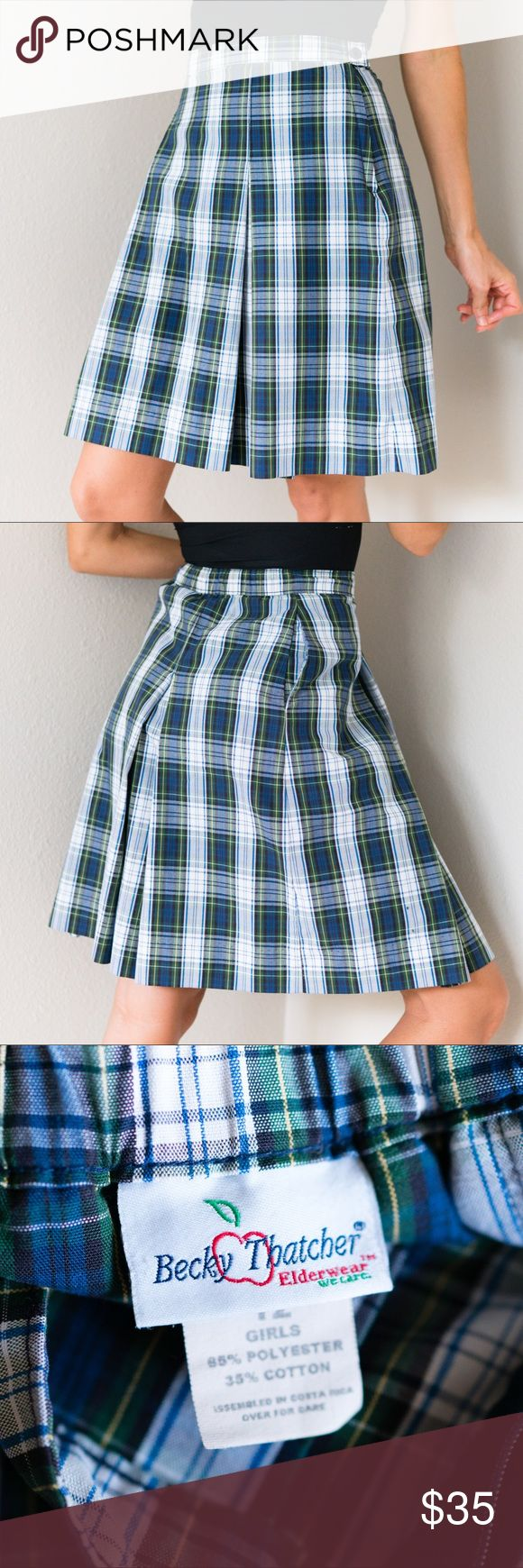 Vintage Pleated Plaid School Uniform Skirt XS Adorable Vintage 80s Schoolgirl High Waisted Pleated Plaid School Uniform Knee Length Skirt Size 12 Girl's Perfect for Extra Small XS in Women's!   Measurements- Waist 25 inches Length 20 inches Vintage Skirts Mini