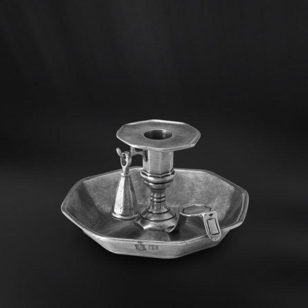 Octagonal Pewter Candle Holder with Snuffer - Diameter: 15 cm (5,9″) - Height: 9 cm (3,5″) - #pewter #candle #holder #snuffer #peltro #bugia #spegnimoccolo #zinn #handleuchter #kerzenlöscher #étain #etain #bougeoir #peltre #tinn #олово #оловянный #gifts #giftware #home #housewares #homewares #decor #design #bottega #peltro #GT #italian #handmade #made #italy #artisans #craftsmanship #craftsman #primitive #vintage #antique
