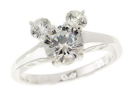 OK, I am pretty sure I want to be proposed to with this ring! Love! Love! LOVE!