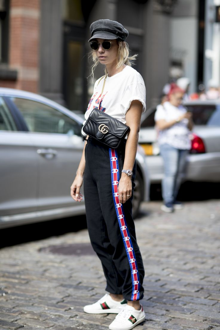 Trackpants-the trendy sweatpants you know from the 90s! We have …   – 90er Modetrends heute