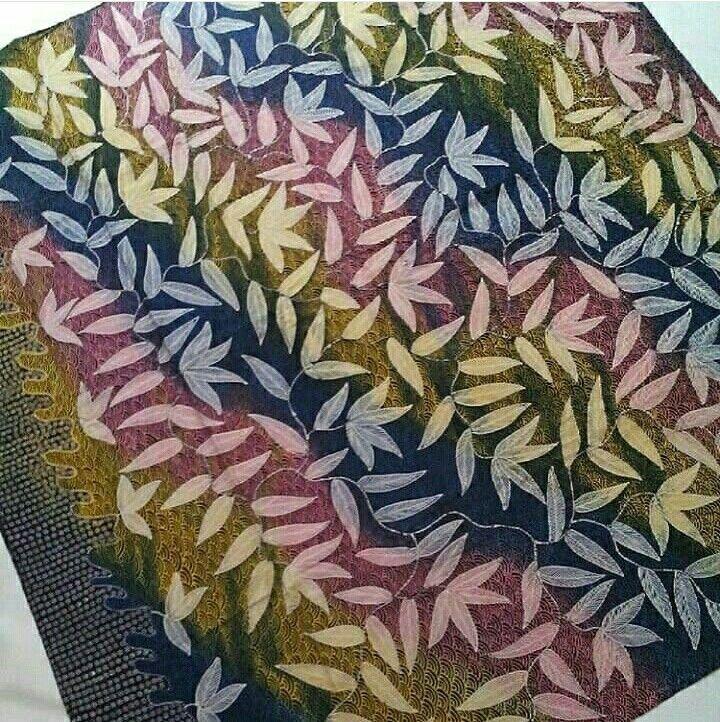 perpaduan motif daun dengan motif pelangi