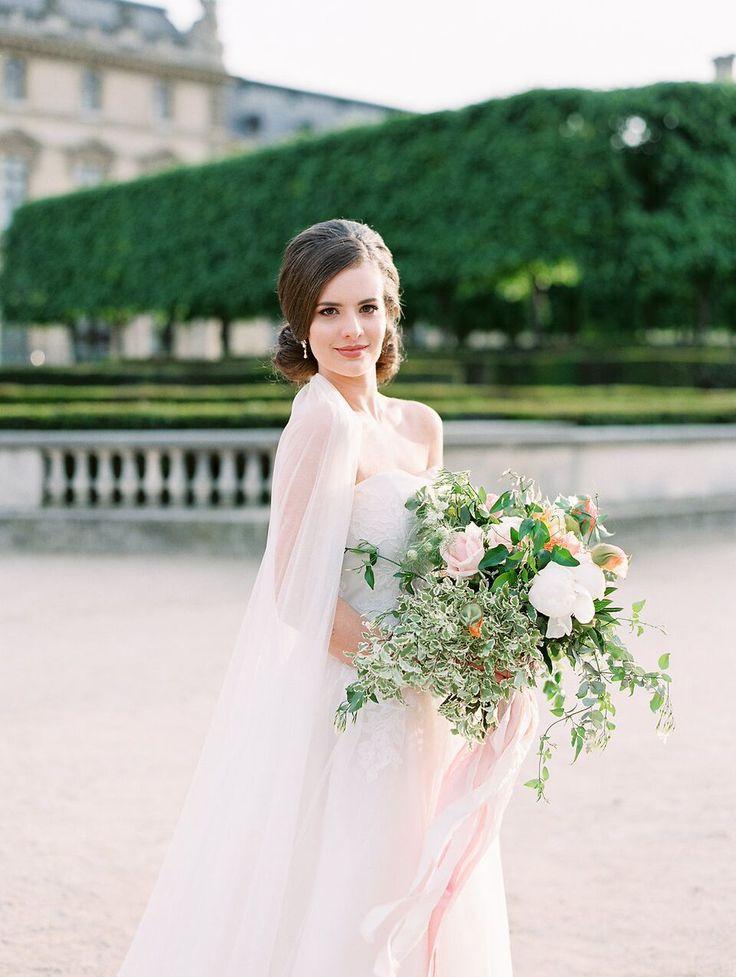 Avec Weddings & Events www.avecweddingsandevents.com Wedding Planner in Paris | English speaking wedding planner, Paris, France Provence Wedding in Paris Design and Planning Luxury Weddings in Paris, Bouquet