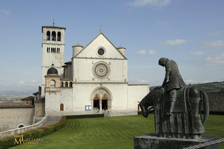 Assisi. Cattedrale. Foto Massimo Lazzari srls - S.Martino Siccomario PV