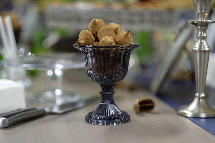 Мятный трюфель: Ганаш из горького шоколада с перечной мятой и свежей мелиссой. Mint truffle: a Ganache of dark chocolate with mint and fresh lemon balm #трюфель #шоколадручнойработы #конфетыназаказ #шоколад #шефвиталий