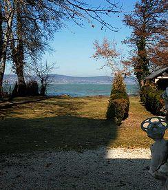 Am Süd - Ufer vom Plattensees, Villa mit 2200 qm grossem und 24m breitem Grundstück