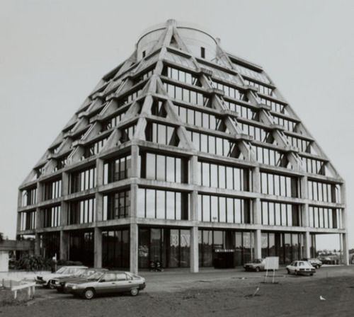 ducklingmonster:Housing Corporation building, Manukau City Centre, 1985.