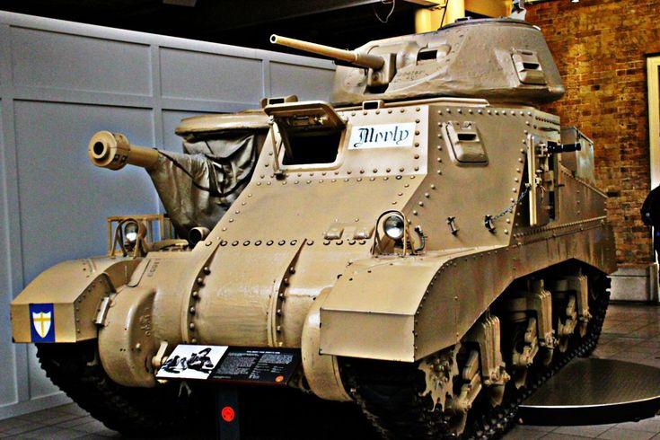 Museu Imperial da Guerra, localizado em Londres, Inglaterra, Reino Unido. Tanques de diversos modelos estão em exibição.  Fotografia: Gustavo Heldt.
