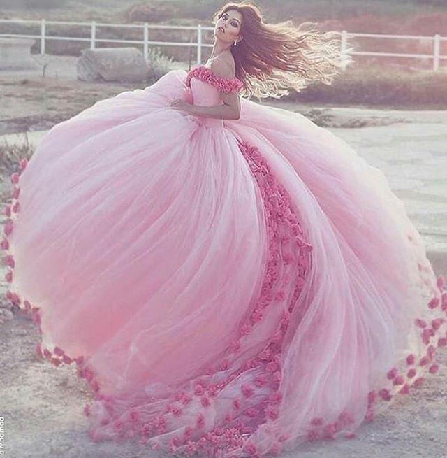 #gelin #gelinçekimi #gelinpozu #gelinpozları #düğün #nişan #nişançekimi #dışçekim #profesyonelfotograf #gelinlik #gelin #gelinler #gelinsaci #gelinlikmodeli #gelinfotografi #gelin #evlilik #gelinadayı #yenigelin #pembe #pembenişanlık #pembesevdam #pembegül #pembegönlümsende