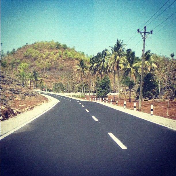 Perjalanan menuju Pantai Sadeng - Gunungkidul  (Photo by the_japra • Instagram)