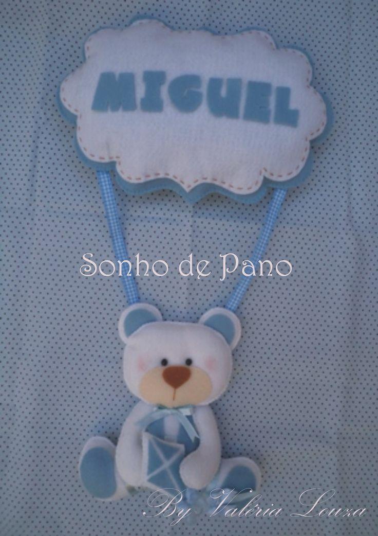 Enfeite para Porta de Maternidade ou quartinho do beb�<br>Ursinho em feltro<br>Personalizado com o nome do beb�