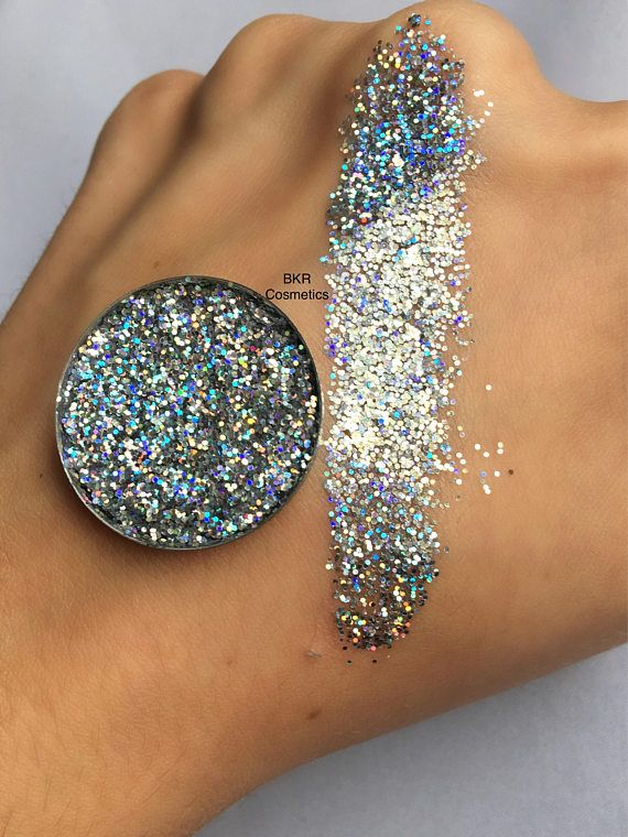 Holographic stardust pressed glitter eyeshadow, cosmetic grade glitter, glitter eyeshadow, pressed glitter, eyeshadow, glittery, sparkly, silver Shade: Stardust Pictures show glitter swatches with and without a flash. All photos are unedited. Do you love glitter make up but loose