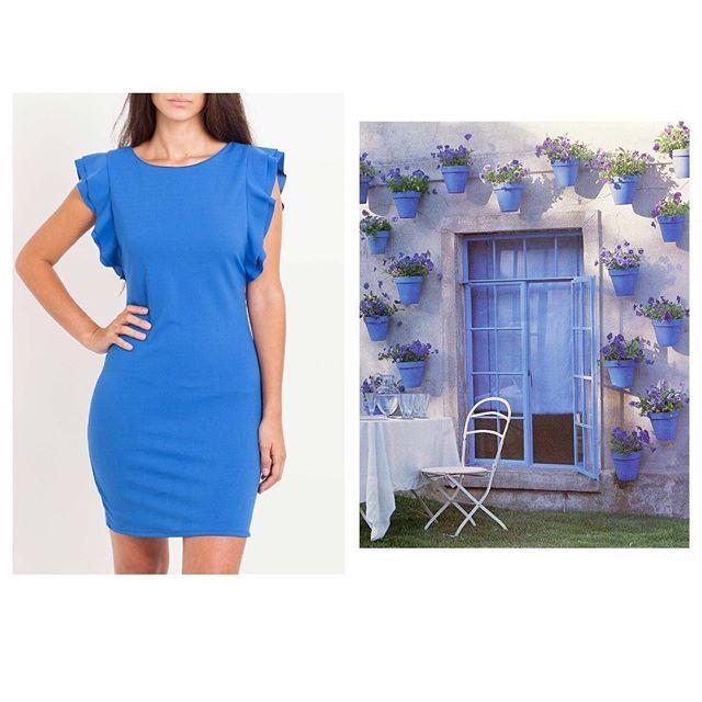 Azul, color perfecto para rubias y morenas de piel blanca.Rejuvenece a partir de los 40.🦋 Es un color elegante, con el que ir correcta sin pasarte; aporta serenidad y calma ... vamos, que es la leche 👏🏻👏🏻👏🏻#lookoftheday #hechoconamor #blue #bluedecor #slowfashion #marcasbonitas #invitadaperfecta