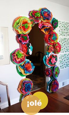 Super cute idea for cinco de mayo in the classroom, for the kids to do.Fiestas Parties, Tissue Paper Flowers, Friday Flower, May 5, Tissue Flower, Art Room, Parties Ideas, Aunts Peaches, Fiestas Flower