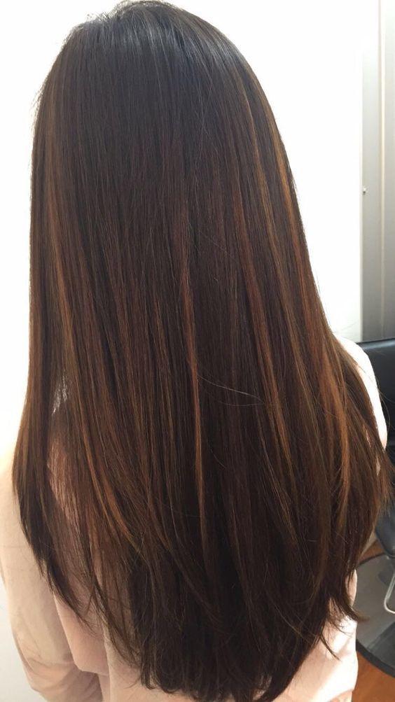 34 Glatte, lange Frisuren mit Schichten Brasilianischer Balayage auf glattem Haar.