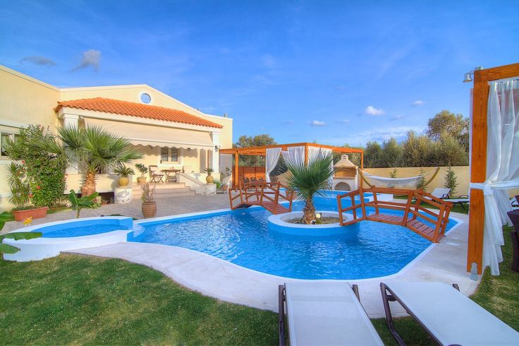 You deserve this... #Villa #Eva awaits to make your #holiday in #Rethymno a unique #experience! Just #relax and enjoy your #privacy!