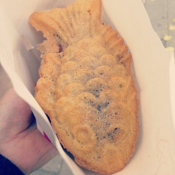 17 best images about korean food on pinterest shrimp for Fish shaped bread