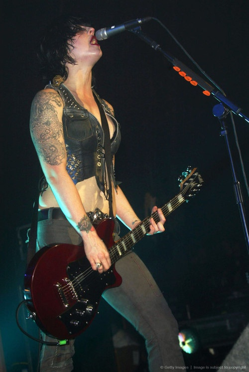 Brody Dalle with The Distillers Live!