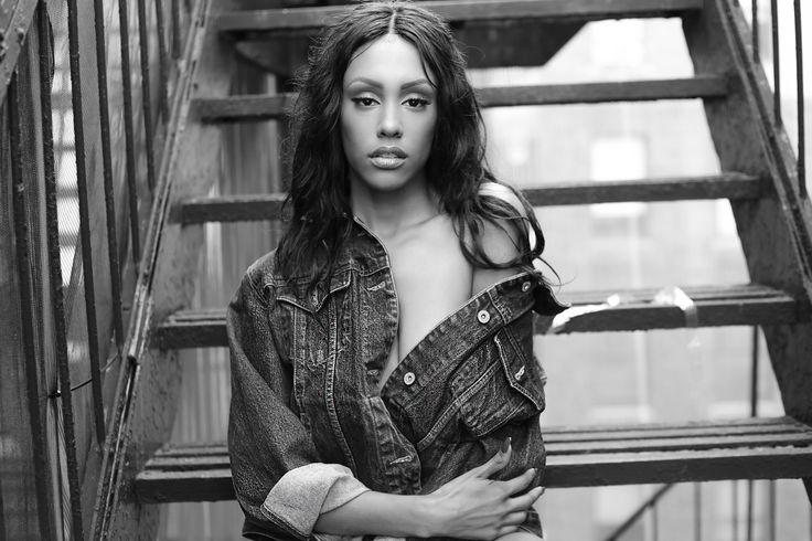 Stimulate Your Soul - Interviews - On the grind with R&B singer NiqaMor