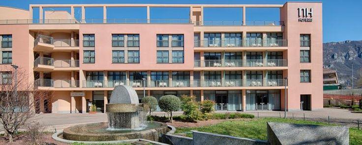 L'NH Hotel si affaccia sul Lago di Como dal Ponte vecchio, offrendo una vista magnifica e la qualità di un quattro stelle. Ottimo anche per l'utenza business, grazie a sale congressi