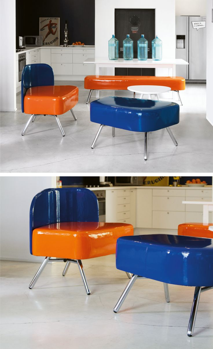 Spacious Office Furniture Focused on Community. Modular system with creative colours designed by Alessio Pozzoli and manufactured from #Blog_Sesta #modular #design