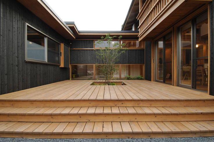 shu建築設計事務所 の モダンな バルコニー&ベランダ&テラス 中庭を持つ高台のいえ
