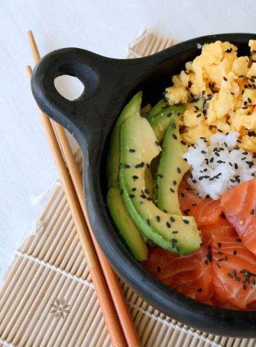 ** Cuisine japonaise : Chirashi ou Chirachi au Saumon, avocat et omelette Tamogo yaki**
