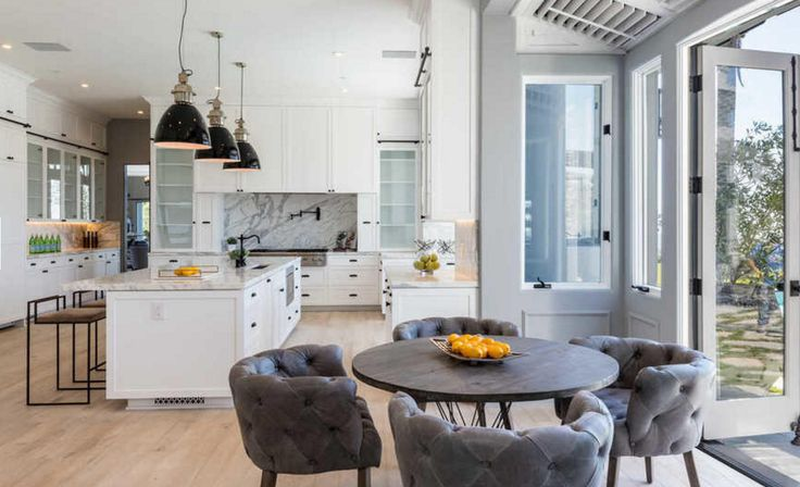 Kylie Jenner's $125K-A-Month Beverly Hills Crash Pad Is NOT Your Typical Sublet+#refinery29