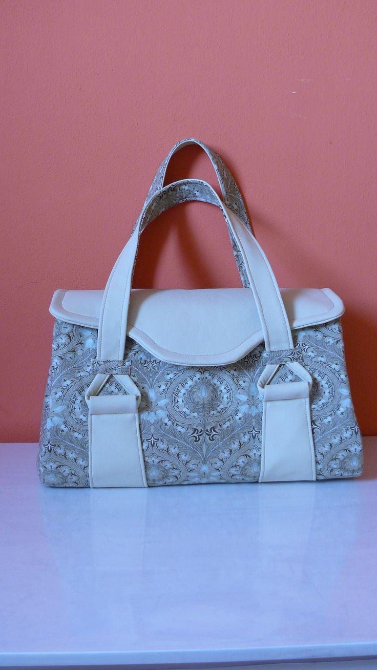 Oblíbený střih velmi elegantní kabelky.