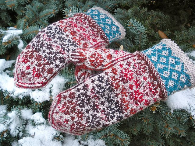 Free pattern - Angela's Mittens pattern by Rose Hiver