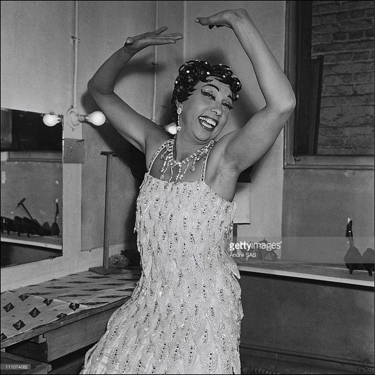Josephine Baker in France in 1956 - approval is required for Watsa, 38 rue de la Condamine - 75017 Paris - 33 1 48 07 52 00
