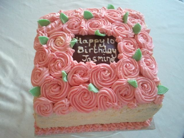 Rose Covered Birthday Cake For 10 Year Old Girl Projects
