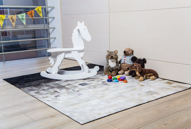 Tapete Gyrholando - Ru Gyrholando Patchwork leather rug. Kids will love the comfort!!! Tapetes en Cuero