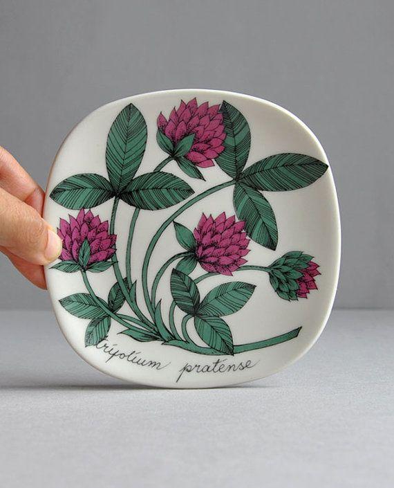 Red Clover Trifolium Pratense - Botanica Plate - Arabia Finland